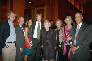Ella in 2008 at a Friends events, surrounded by family—daughter Lucy is at her left.