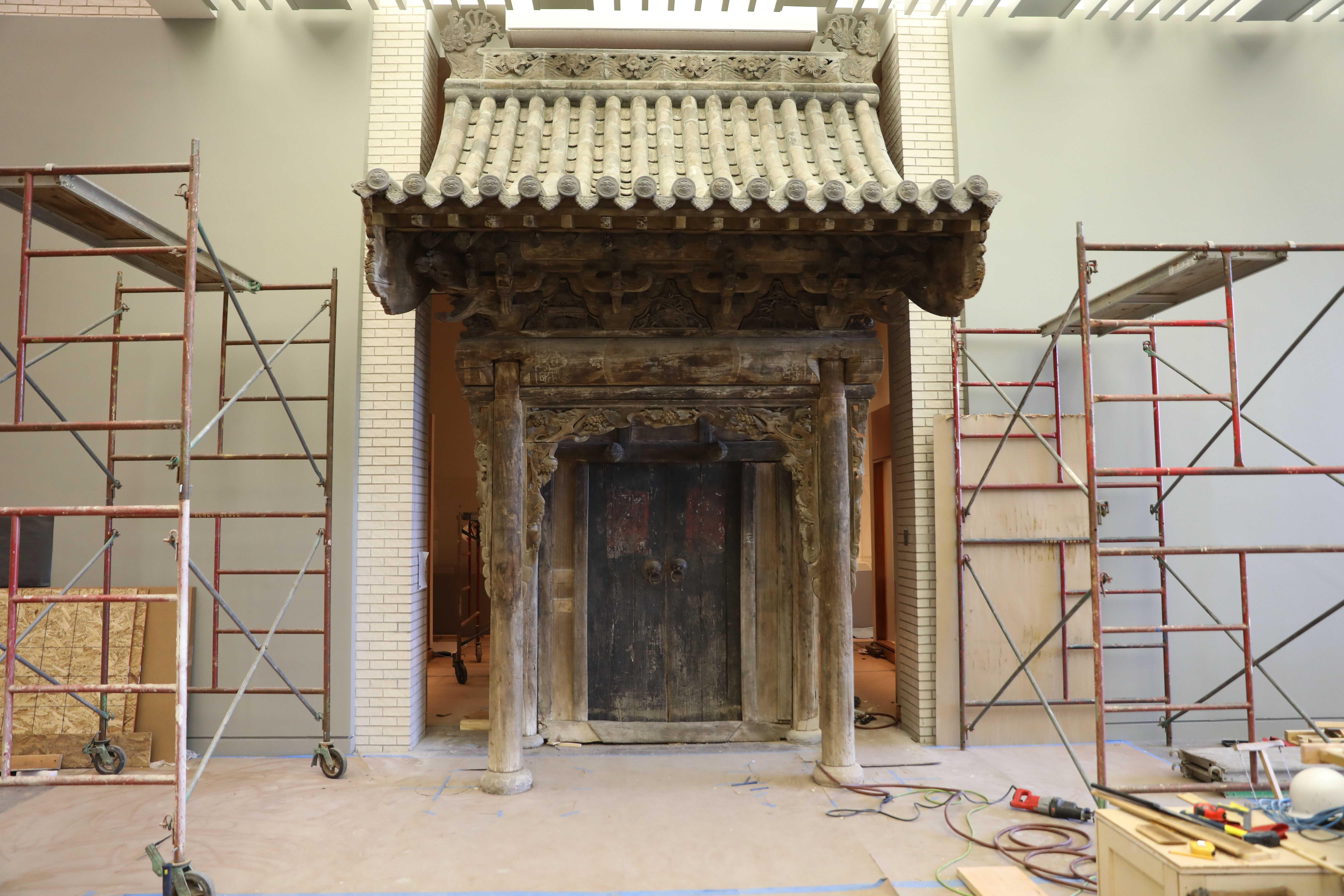 The Qing gate, reinstalled at the second-floor entrance to Mia's Chinese galleries from the Buddhist sculpture court.